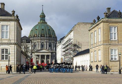 Copenhagen, Amalienborg, Denmark, Royal, Vagtparade