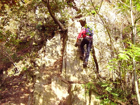 Climbing, Iron Hook, Medium Difficulty, Middle Rhine