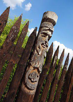 Totem, Wood, Fence, Wheels, Stake, The Old Man