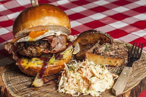 Hamburger, Fries, Coleslaw, Food, Burger, Meal