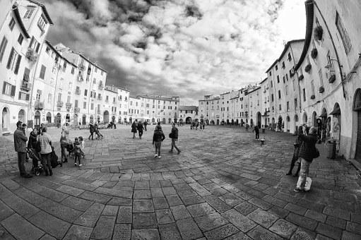 Lucca, Piazza, Piazza Anfiteatro Lucca, Italy, Holidays