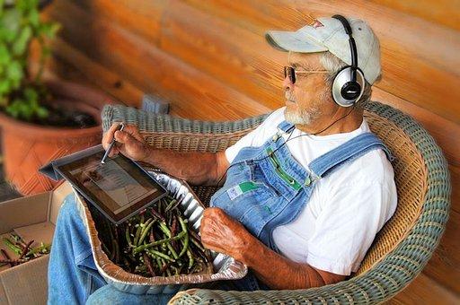 Ipad, Farm, Country, Farmer, Shelling Peas, Electronic