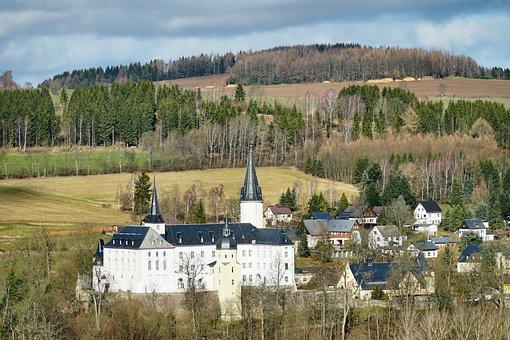Neuhausen, Ore Mountains, Castle