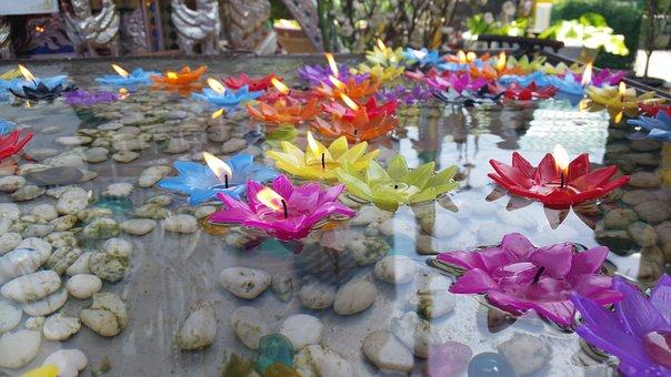 Wat Hua Lamphong, Floating Candles, Lotus Candle