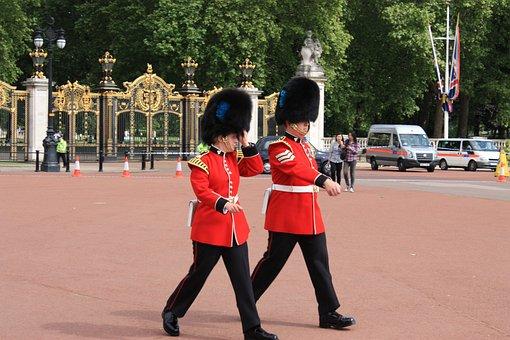 London, Buckingham Palace, Changing Of The Guard