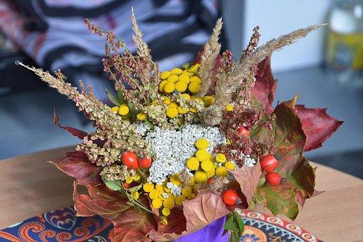 Herbstdeko, Autumn Gesteck, Autumn Decoration, Leaves