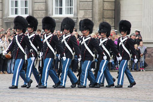 Marching, Royal Guard, Changing Of The Guard