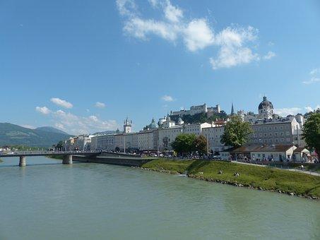 Salzburg, Old Town, Salzach, Mozartsteg