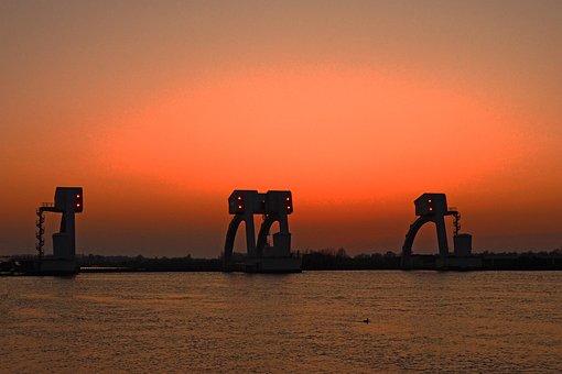 Weir, Rhine, Amerongen, Netherlands, Gelderland, Sunset