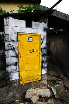 Cheongju, Knock Knock, Toilet, Moon, Yellow, Unisex
