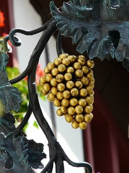 Grapes, Gasthof, Shield, Brewery, Samurai, Nasal Shield