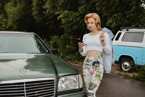 Mercedes, 90s, Hood, Emblem, Design, Woman, Retro