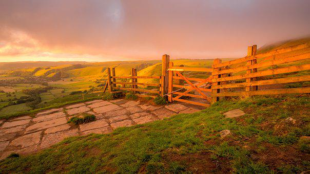 Mam Tor, Gate, Peak District, Derbyshire, Wooden Fence