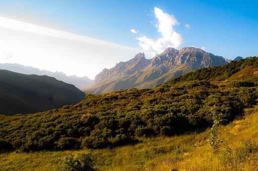 Peak, Mountain, Scenery, Summit, Range, Nature, Distant
