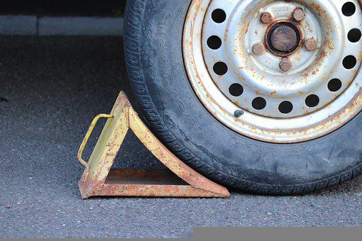 Brake Wedge, Chock, Backup, Wheel, Mature, Find, Secure
