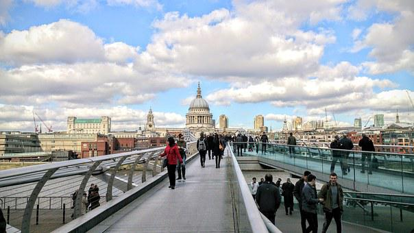 London, Millennium Bridge, Thames, Architecture