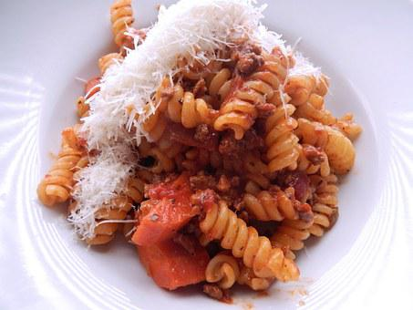 Fusilli Pasta, Ragu, Ground Beef, Cheese, Food, Onions