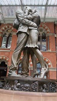 The Meeting Place, Statue, London, Railway Station