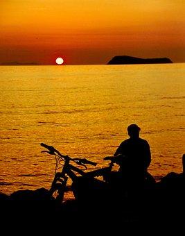 Reverse Light, Sunset, Yasmin, Summer