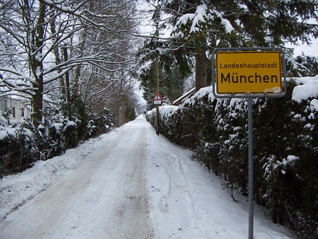 Munich, Off The Beaten Track, Lonely, Entrance