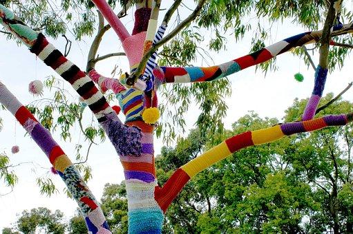 Yarn Bomb, Guerrilla Knitting, Tree, Graffiti