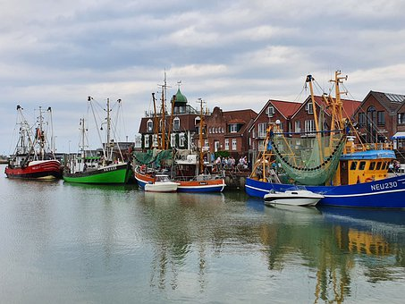 Neuharlingersiel, Port, North Sea Coast, Boats
