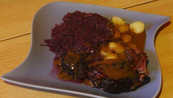 Turkey, Upper Leg, Meat, Fried, Red Cabbage, Gnocchi