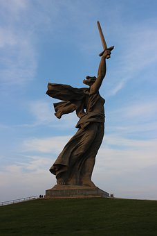 Mother Motherland, Stalingrad Metro Station