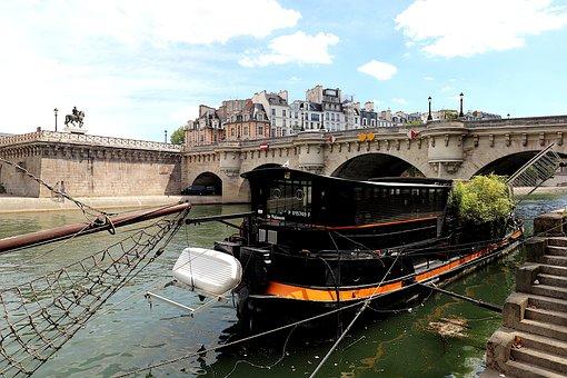 New Bridge, Paris, France, 16Th Century