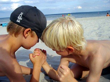 Arm Wrestling, Beach, Strong, Children, Blond, Cap