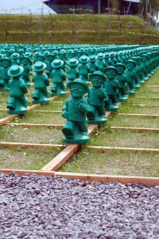 The Crowd, The Quantity Of, Green, Figurine, Doll