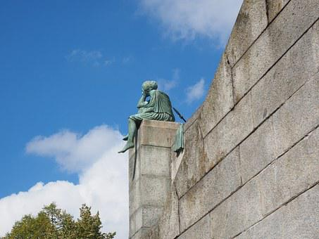 Statue, Helvetia On Travel, Bettina Eichin, Sculpture