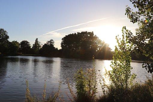 Bois De Vincennes, Daumesnil Lake, Paris