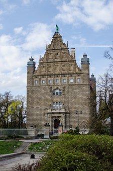 City, Toruń, Architecture