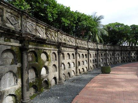 Moss Covered, Wall, Paco Park, Cemetery