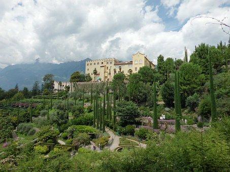Meran, Trautmannsdorf, Mountains, South Tyrol, Italy