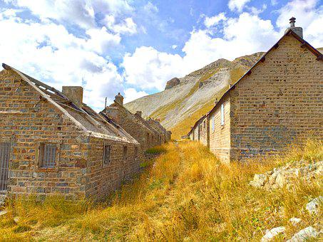 Ruins, Brick, Building, Grass, Abandoned, Architecture