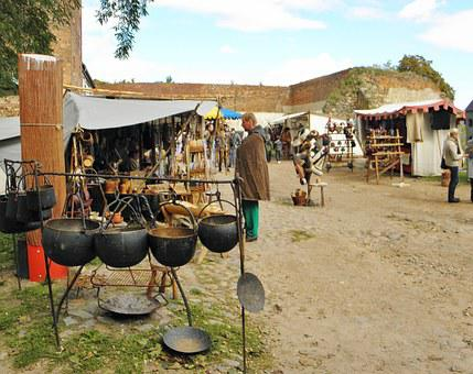 Medieval Market, Pot Maker, Burghof, Historically