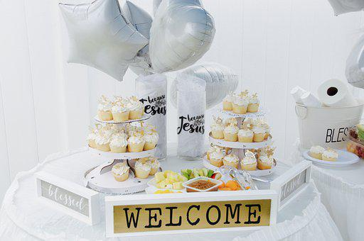 Cupcakes, Table, Balloons, Welcome Sign, Table Set-up