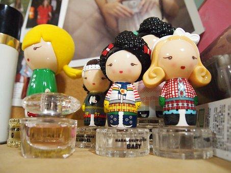 Perfume Bottle, Perfume, Homesick, Character Homesick