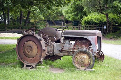 Tractor, Old, Rusty, Agriculture, Wheel, Rural, Vehicle