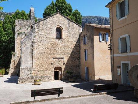 Fontaine-de-vaucluse, Church