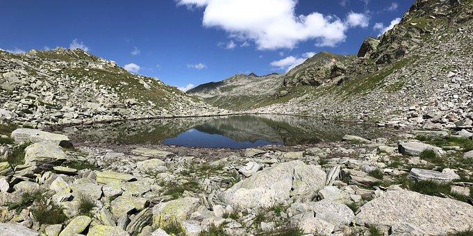 Towards The Pizzo Corandoni, Towards The Taneda Lace