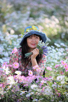 Women's, Flowers, Park, Siberian Chrysanthemum, Tourist