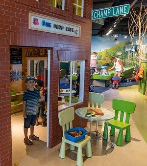 Burlington, Vermont, Echo Aquarium, Child, Person
