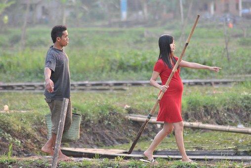 Couple, Pregnant, Walking, Man, Woman, Outdoors