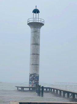 Mississippi Lighthouse, Lighthouse, Raining