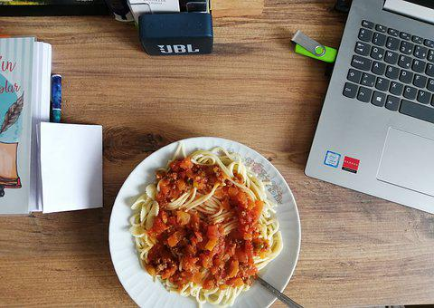 Spaghetti, Pasta, Desk, Laptop, Food, Technology, Table