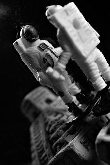 Astronaut, Laboratory Of Ideas, Lab Ideas Ads