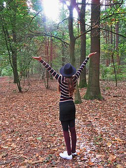 Girl, Wonderingly, Forest, Happy, Nature, Merry, Vrij